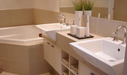 bigstock-Bathroom-With-Corner-Spa-15773791-1-768x576